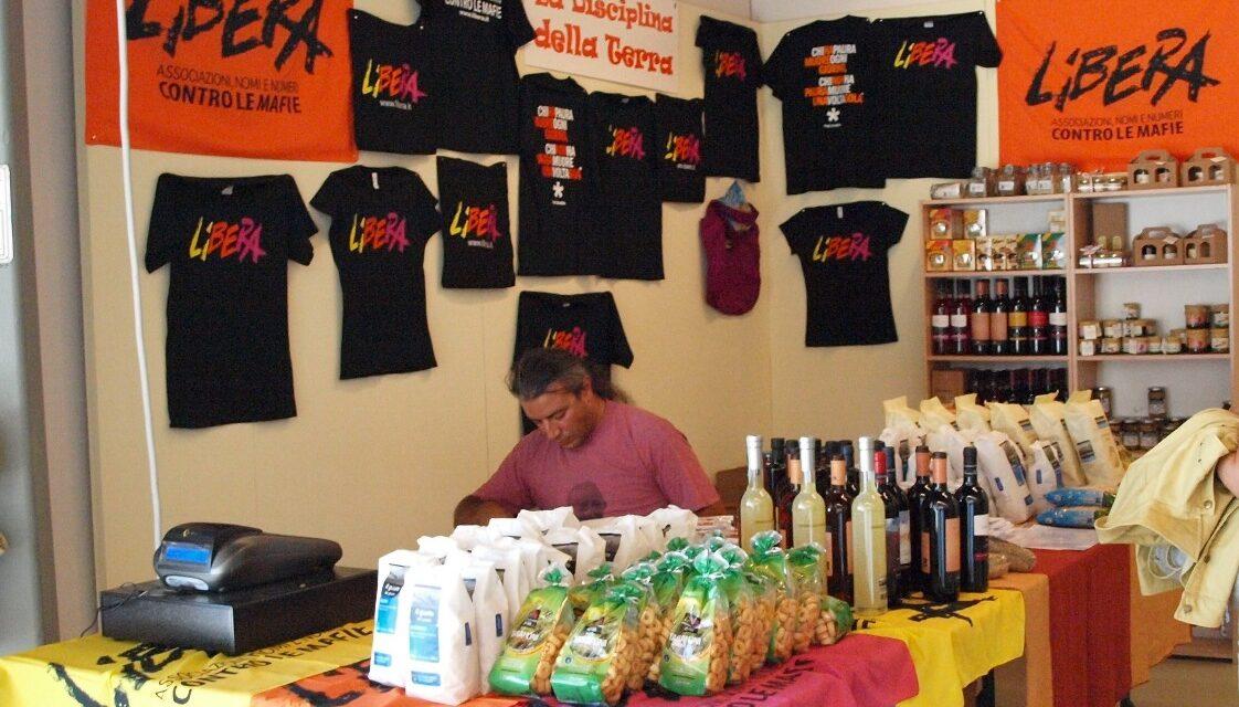 E!state Liberi! 2011 – Un intenso weekend a Gergei-Su Piroi per piantare i fichi d'india