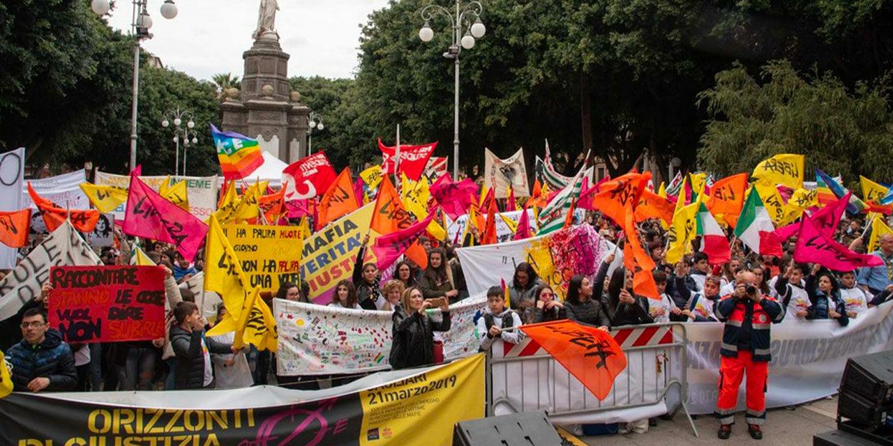 Oltre cinquemila in Piazza del Carmine a Cagliari per la 24a Giornata della Memoria e dell'Impegno in ricordo delle vittime innocenti delle mafie